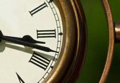 Što Vam Voljena Osoba Poručuje – Značenje sklopljenih kazaljki sata